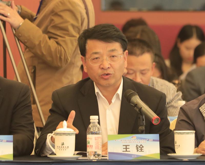 青岛市教育局代表发言